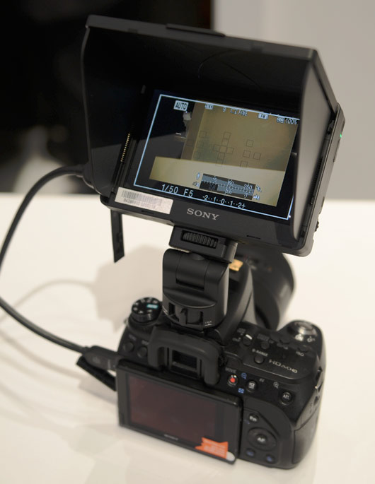 WEB_SonyCLM-V55screen.jpg